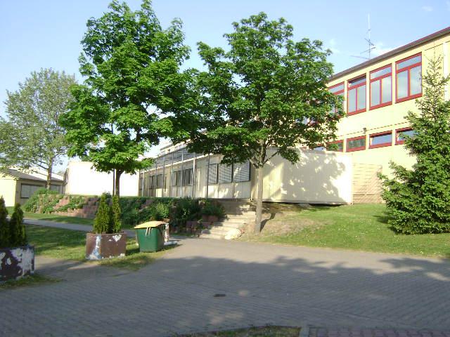 (080513)(011) Wiesbaden-Gen H.H. Arnold HS-School