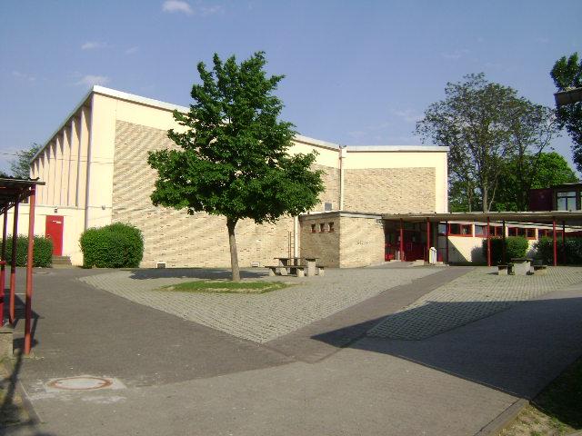 (080513)(016) Wiesbaden-Gen H.H. Arnold HS-School
