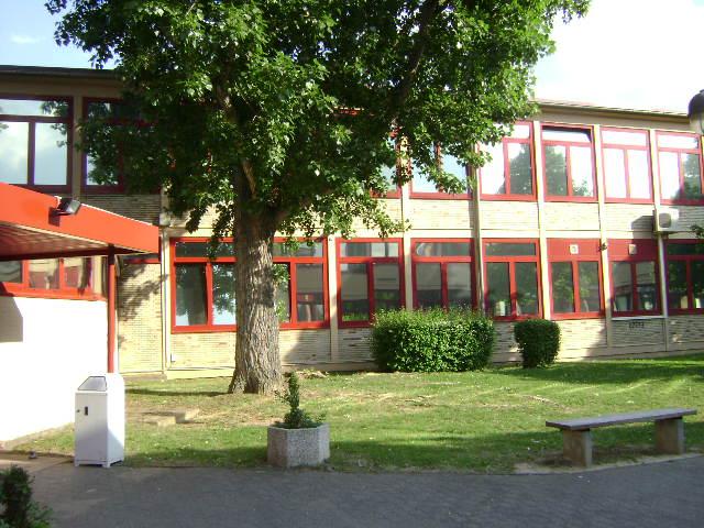 (080513)(020) Wiesbaden-Gen H.H. Arnold HS-School