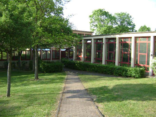 (080513)(041) Wiesbaden-Gen H.H. Arnold HS-School