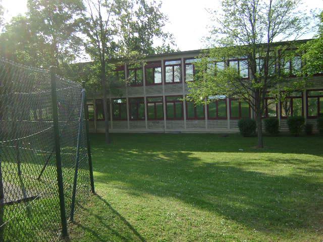 (080513)(042) Wiesbaden-Gen H.H. Arnold HS-School