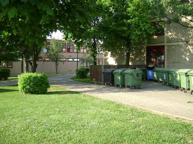 (080513)(044) Wiesbaden-Gen H.H. Arnold HS-School