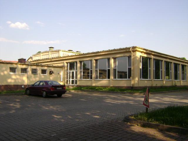 (080513)(054) Wiesbaden-Gen H.H. Arnold HS-Cafeteria